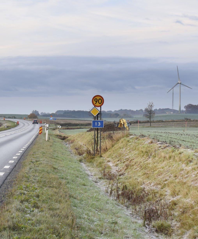 Gång- och cykelväg längs väg 13