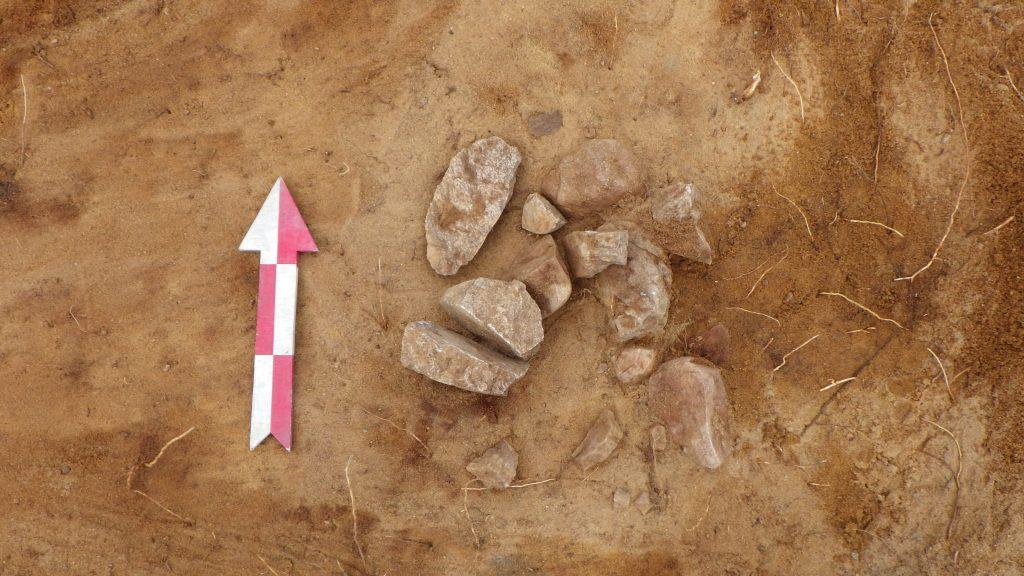 På bilden ser vi en härd från mesolitikum.