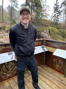 Pontus Gustafsson på Österåkers kommun brinner för att göra forntiden mer digital. Foto: Österåkers kommun
